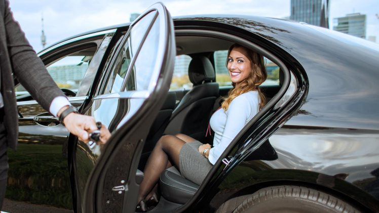 Right Chauffeur Service For Your Business
